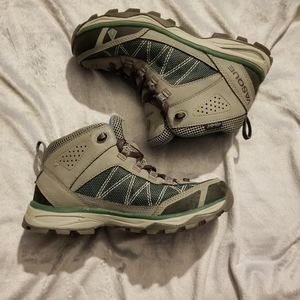 Vasque Monolith Ultra dry hiking boots Sz 6